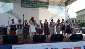 Jaworznickie gorsety na Międzynarodowych Targach Sztuki Ludowej w Krakowie.